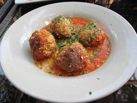 Piazza Bella best german restaurants in chicago;