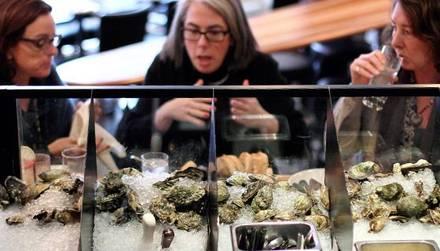 GT Fish & Oyster best lincoln park restaurants;