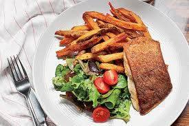 La Sirena Clandestina best fried chicken in chicago;