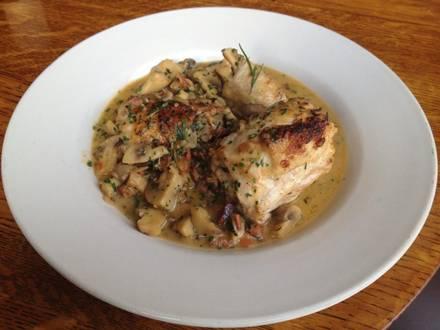 The Glunz Tavern  best fried chicken in chicago;