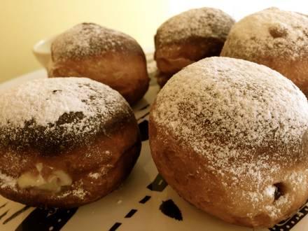 Lizzie's Bake Shoppe best german restaurants in chicago; Lizzie's Bake Shoppe doughnuts