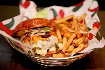 LeaderBar Drafthouse & Eatery best comfort food chicago; LeaderBar