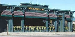 Gale Street Inn best chicago rooftop restaurants;