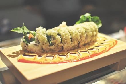 Yuzu Sushi & Robata Grill best comfort food chicago;