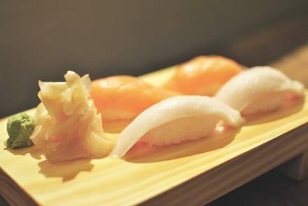 Yuzu Sushi & Robata Grill best fried chicken in chicago;