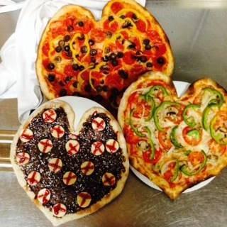 APart Pizza best fried chicken in chicago;