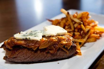 Commonwealth Tavern best chicago rooftop restaurants;