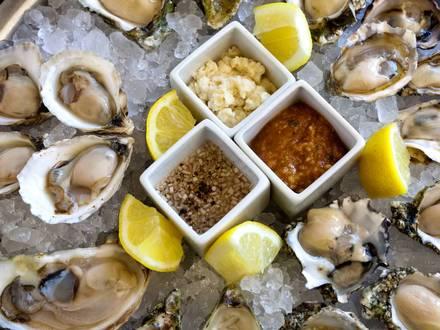 GT Fish & Oyster best greek in chicago;