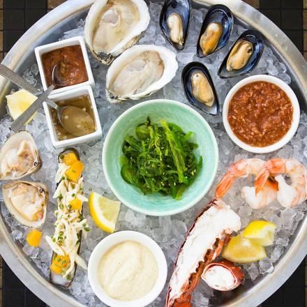 GT Fish & Oyster best german restaurants in chicago;