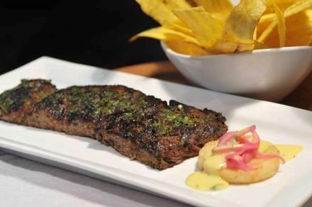 Houston's Steak