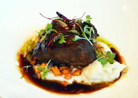 Eddie Merlot's Best Steakhouse;