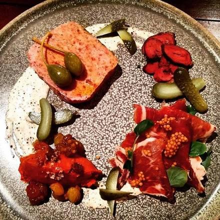 Oak + Char best german restaurants in chicago;