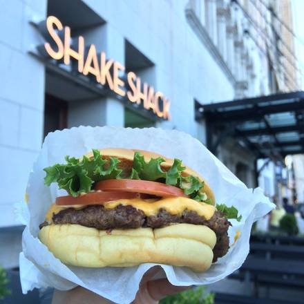 Shake Shack - Loop best restaurant chicago; Shake Shack CAA