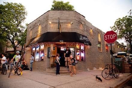 Lottie's Pub best chicago rooftop restaurants;