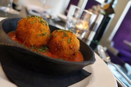 Filini Restaurant and Bar - Radisson Blu Aqua best comfort food chicago;