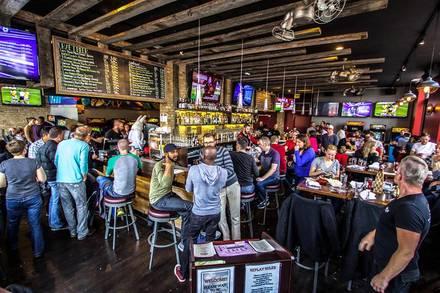 Replay Beer & Bourbon Andersonville best comfort food chicago;