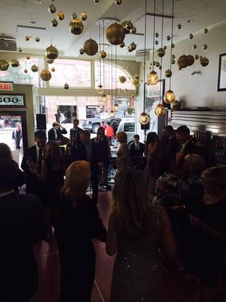 Pops for Champagne best chicago rooftop restaurants;