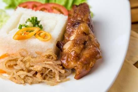 Pho Viet best fried chicken in chicago;