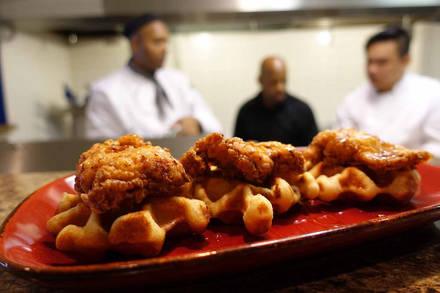 Luella's Southern Kitchen best fried chicken in chicago;