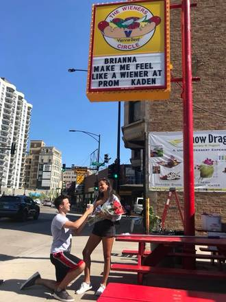 Wiener's Circle best comfort food chicago;