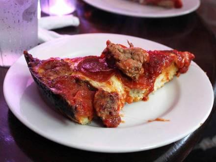 Pequod's Pizza (Chicago) best fried chicken in chicago;