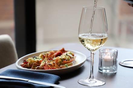 Walton Street Kitchen + Bar best german restaurants in chicago;