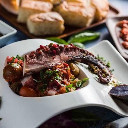 Oda Mediterranean Cafe best comfort food chicago;