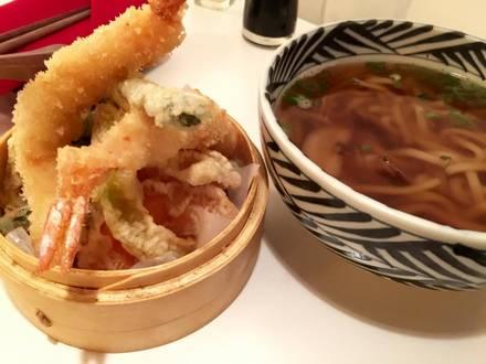 Friends Sushi best restaurant in chicago;