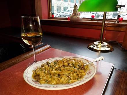 Club Lago Restaurant best greek in chicago;