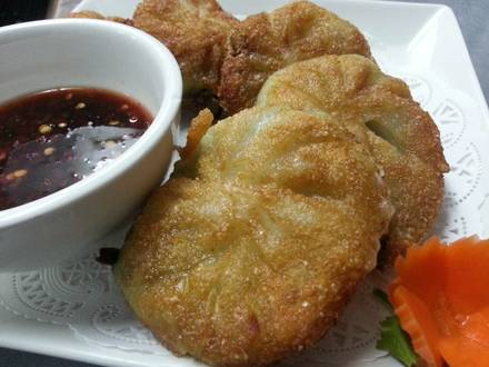 Siam Treasure best fried chicken in chicago;