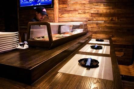 Zoku Sushi best italian restaurant in chicago;