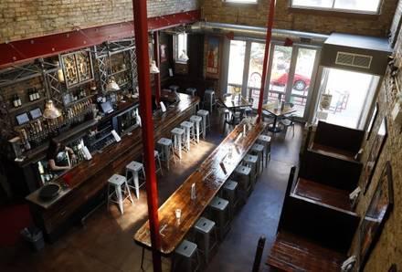Hopleaf Bar best ramen in chicago;