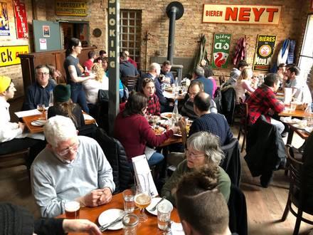 Hopleaf Bar best restaurant chicago;