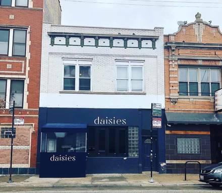 Daisies best chicago rooftop restaurants;