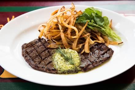 Mon Ami Gabi best italian restaurant in chicago;