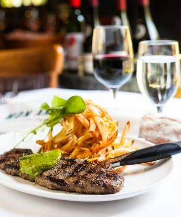 Mon Ami Gabi best restaurant chicago;
