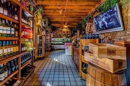 Vinny Vanucchi's 'Little Italy' - Galena best italian restaurant in chicago;