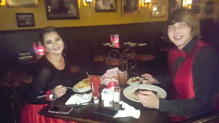 Vinny Vanucchi's 'Little Italy' - Galena best greek in chicago;