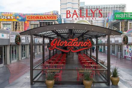 Giordano's (N. Rush St.) best comfort food chicago;