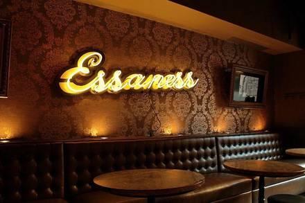 Brando's Speakeasy best chicago rooftop restaurants;