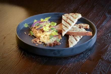 OVIE Bar & Grill  best italian restaurant in chicago;
