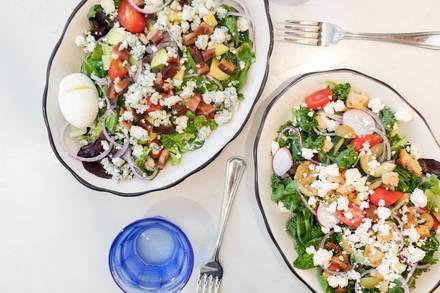 Bernie's Lunch & Supper best greek in chicago;