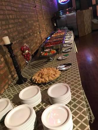 G Cue Billiards and Restaurant best fried chicken in chicago;