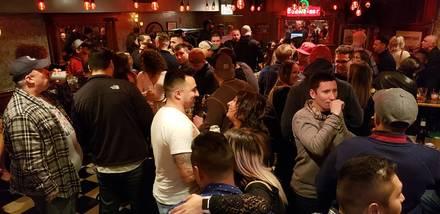 Hawkeye's Bar & Grill best chicago rooftop restaurants;
