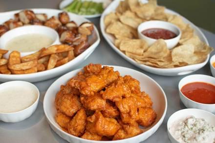 Buffalo Wings & Rings best italian restaurant in chicago;