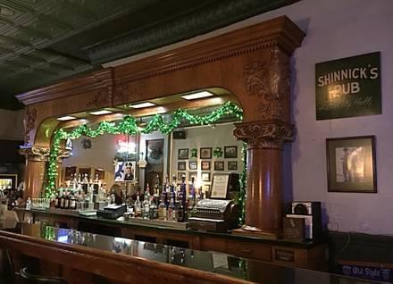 Shinnick's Pub best chicago rooftop restaurants;
