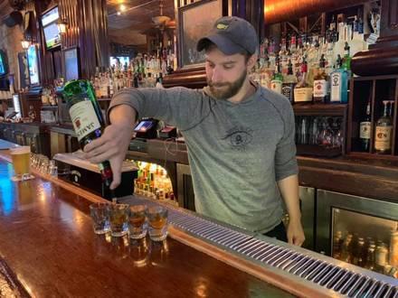 Declan's Irish Pub best italian restaurant in chicago;