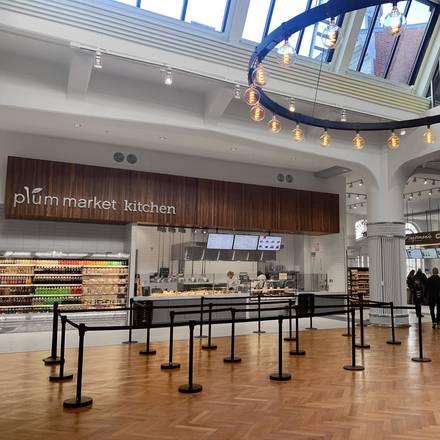 Plum Market best chicago rooftop restaurants;