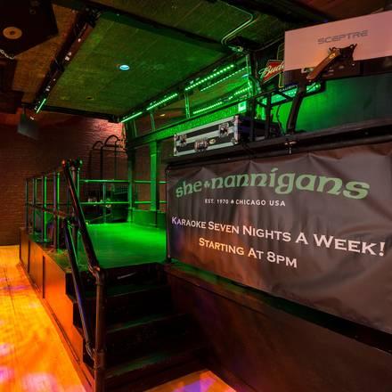 Shenannigans House of Beer best italian restaurant in chicago;