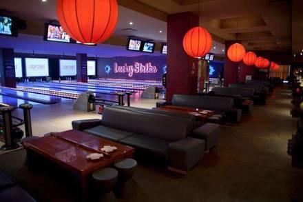 Lucky Strike Lanes best chicago rooftop restaurants;